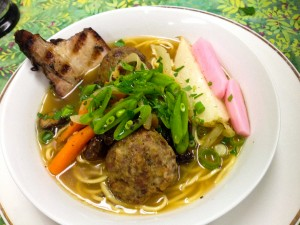 1526-Noodle with leeks and meatballs